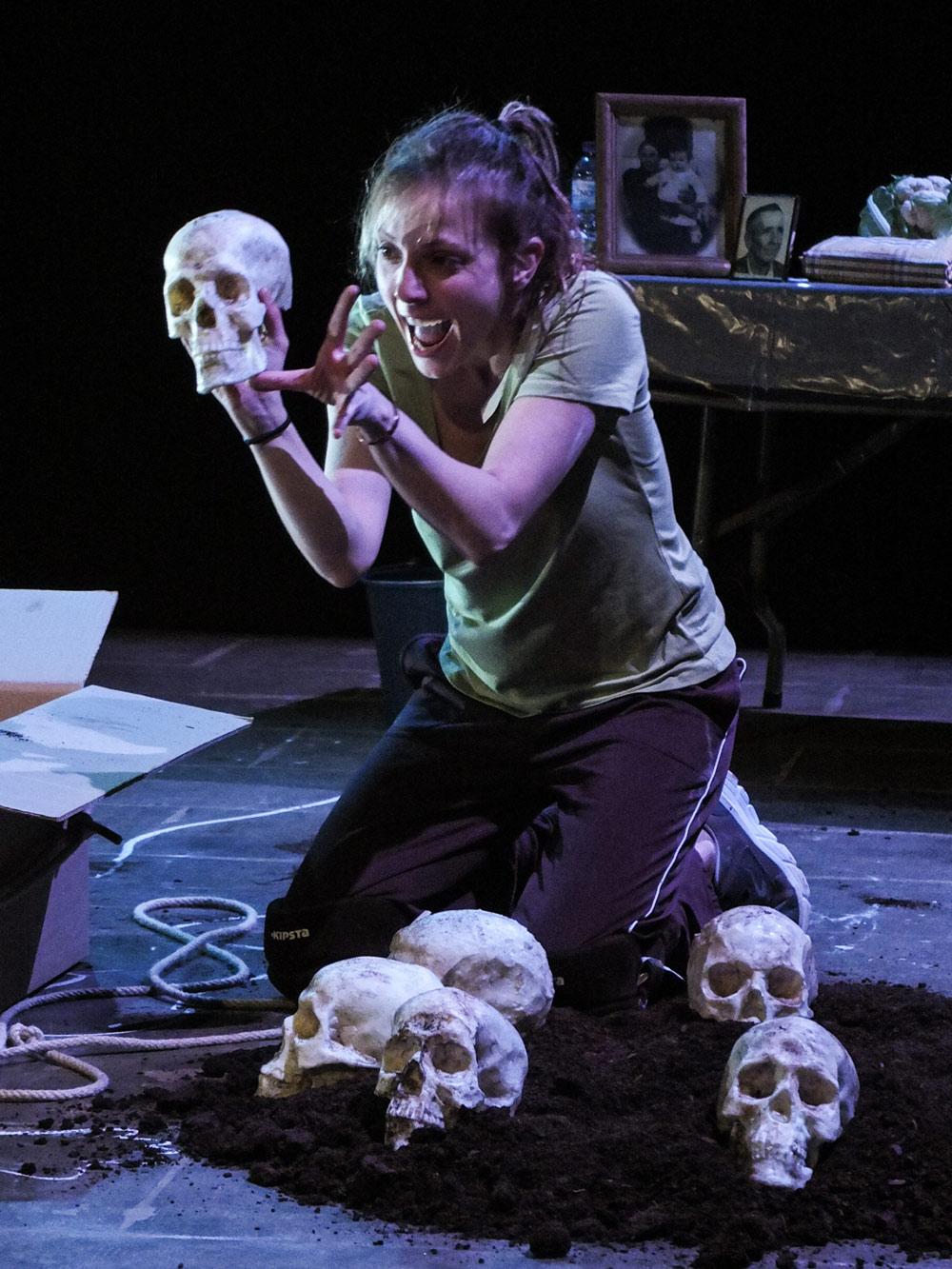 Sonia espinosa - profesora meisner barcelona movimiento interpretación actores